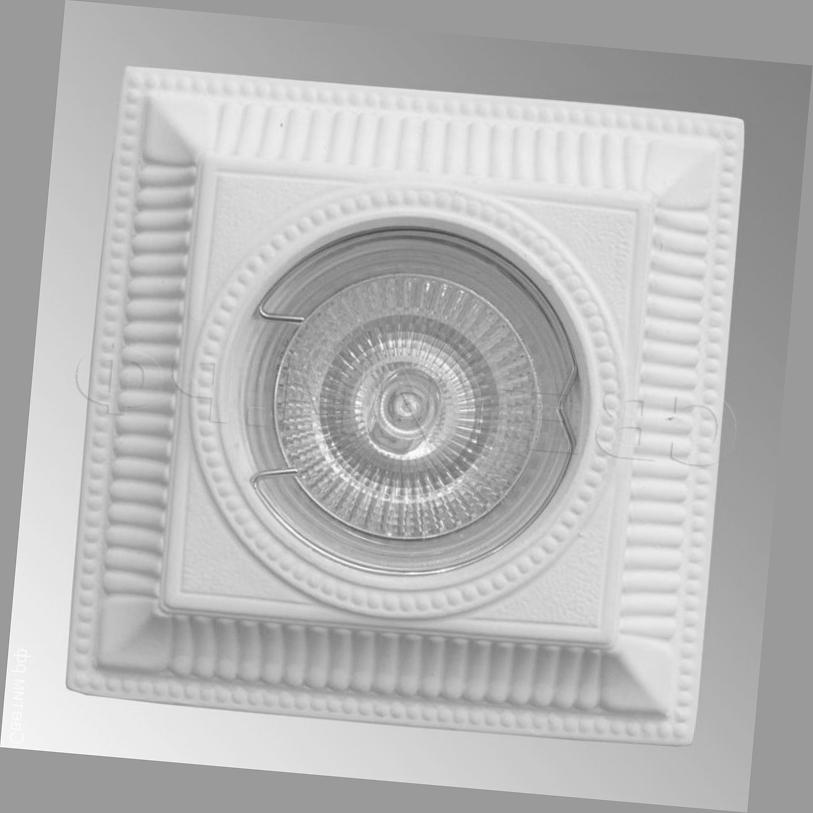 фото квадратного точечного светильника